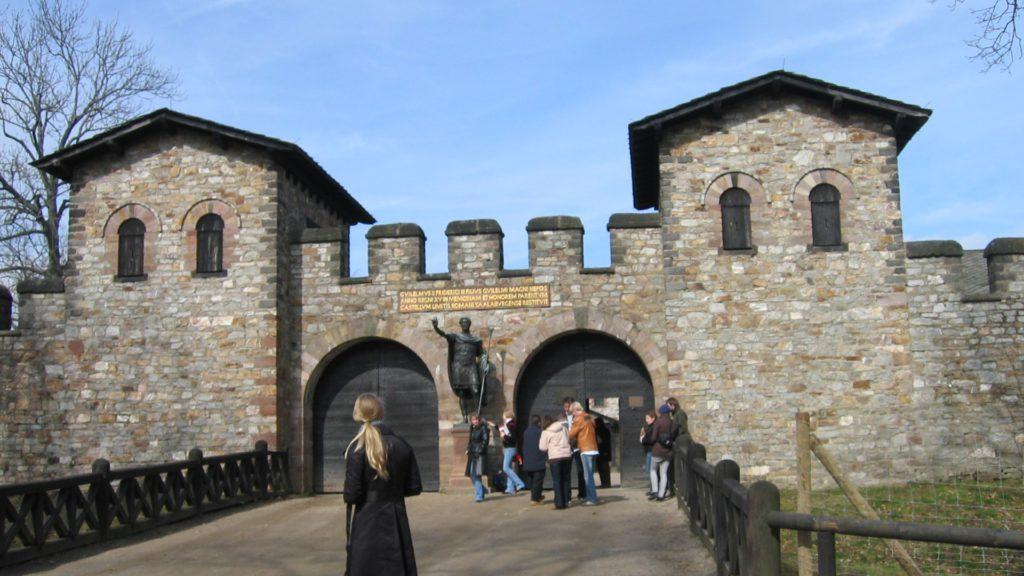 Saalburg - Eingang